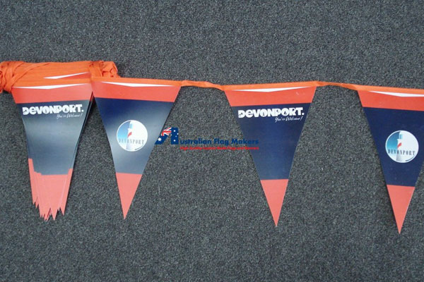 glossy-paper-flag-bunting