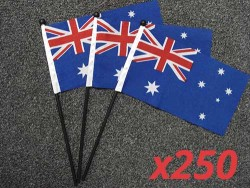 australian-hand-flags-250