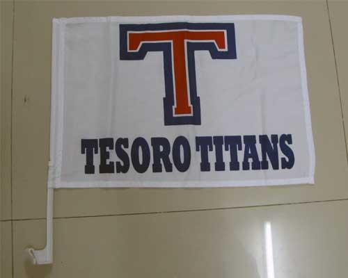 Tesoro-Titan-Car-flag