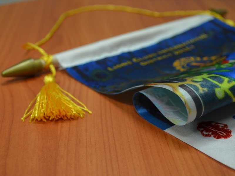 Bannerette flags